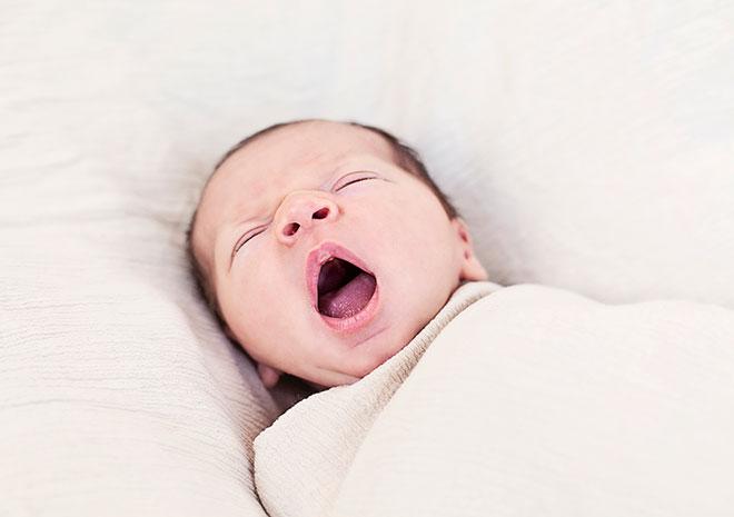 bebe con sueño